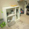 子供部屋のいらなくなった棚を玄関前の室外収納に。散らかった物をまとめてしまえてスッキリ!