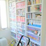 本はしまっておいては読まない。すべて本を見えるところに並べるために、大量の書籍やコミックを収納する本棚を購入しました。趣味部屋の本棚は8台になりました。